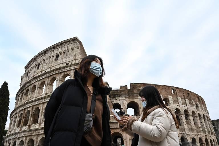 Medo da epidemia do coronavírus faz crescer o uso de máscaras